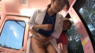 マジックミラー便!病院で働く女性をナンパ 制服白衣のまま謝礼で淫らにフェラする姿に思わず興奮!!