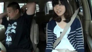 車の中でチ〇ポしごいて見せつけたらお口でちゅぱちゅぱしちゃった美少女さん