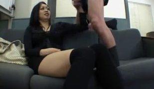 ニーソの巨乳美女にセクハラ面接むりやりセンズリ見せから手コキ抜させる