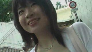 街でナンパの清純そうな美少女JD実はスケベなモリマン女子でした