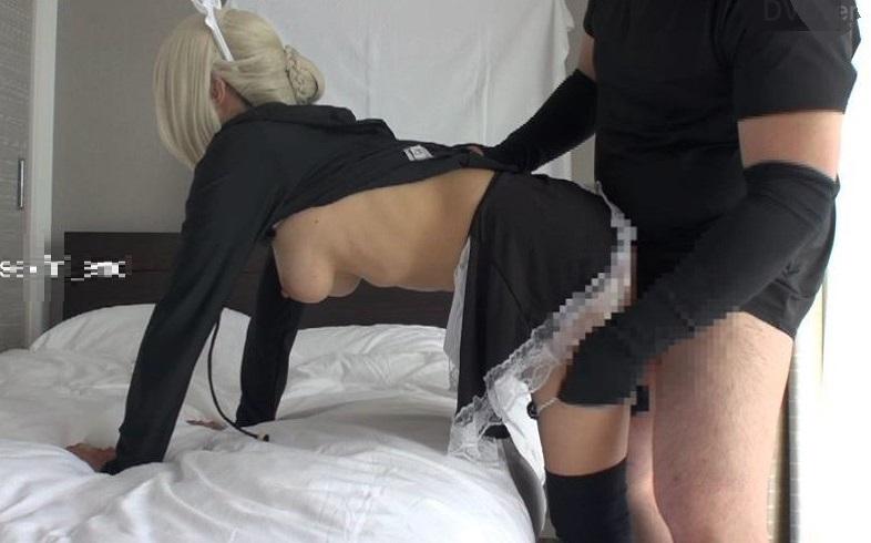 個人撮影・巨乳レイヤーと人気キャラの黒い水着メイド衣装でハメ撮り