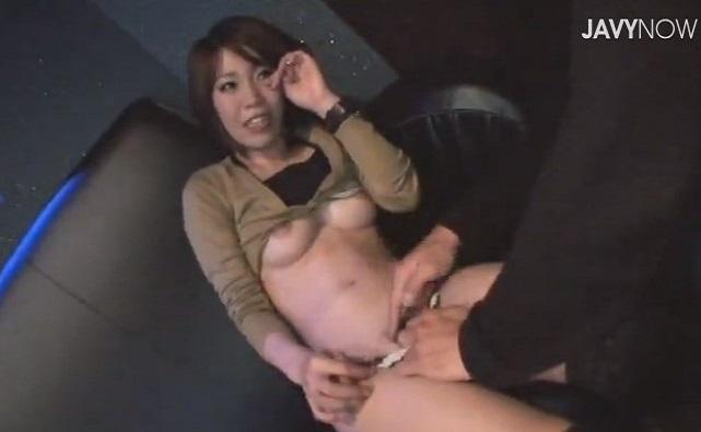 素人ナンパGET!紐パンTバックのセックスィーお姉さん!ノリでカラオケ3Pハメしちゃった!