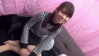 素人ガチナンパ!まじカワの女子大生まりかさん(22)勃起させたチ●ポを素股させてやってください!