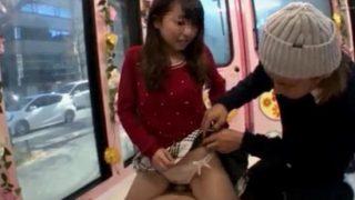 高学歴な女子大生にプリプリの丸いお尻で生チンの上に乗って素股させたら!謝礼を追加で激しいSEXさせてくれた♡