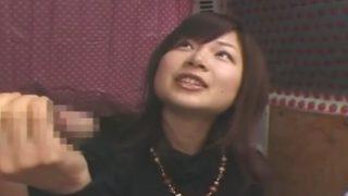 CFNM手コキ 性格のいい愛嬌100点の女の子 ちょっとエッチなやさしさのある手コキで抜いてくれた♡