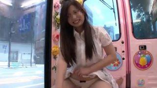 マジックミラー便!眩しい白スカートからはみ出すぷりぷりの尻で騎乗位ハメ♡巨乳の19才女子大生がスマタで本番!