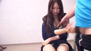 センズリ鑑賞♡20才の素人娘がパンティ見せしながら手コキで抜いておっぱいまでさわらせちゃう!
