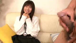 センズリ鑑賞!これは清純派すぎる黒髪の美少女がまさかのフェラチオ♡お口でセンズリお手伝いの素人娘!